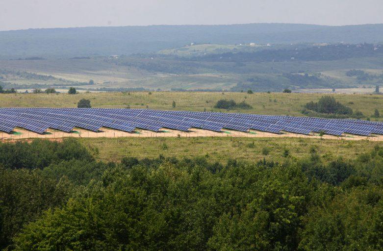 Найбільша в Західній Україні сонячна електростанція працює на Ужгородщині